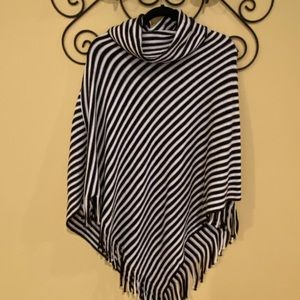 Chicos black and white knit poncho OS